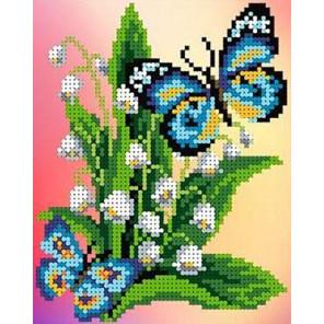 Бабочка на ландышах Набор для вышивки бисером Каролинка