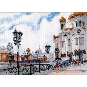 Пример оформления в рамку На Патриаршем мосту Набор для вышивания Овен 1051