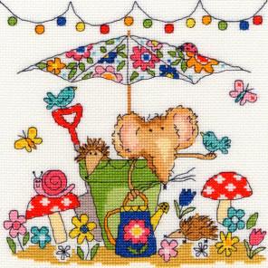 Мышка в саду Набор для вышивания Bothy Threads XSW8