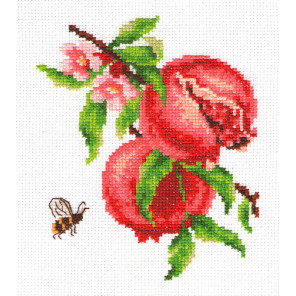 Ветка винограда Набор для вышивания Многоцветница МКН 08-14