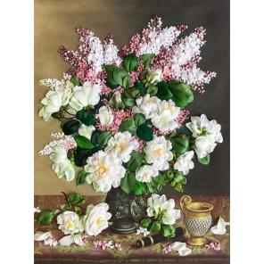 Белые розы и сирень Набор для вышивания лентами Каролинка КЛ(Н)-3039