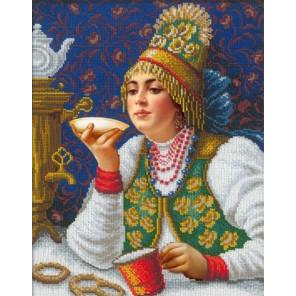 Русская красавица за чаем Набор для частичной вышивки бисером Русская искусница 2002