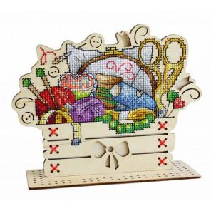 Рукодельный уголок Набор для вышивания на деревянной основе МП Студия О-038