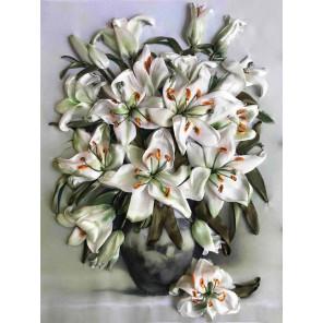 Белые лилии Набор для вышивки лентами Многоцветница КЛ(Н)-3041