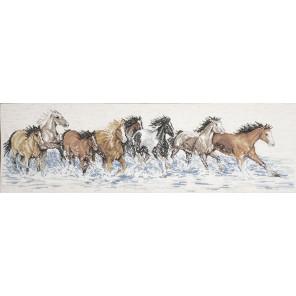 Лошади, бегущие по воде Набор для вышивания Design works 2499