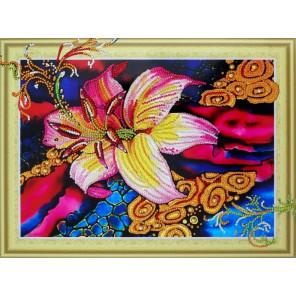 Золотая лилия Алмазная картина фигурными стразами Color Kit FM002