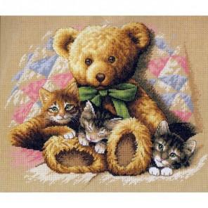 Мишка и котята 35236 Набор для вышивания Dimensions ( Дименшенс )