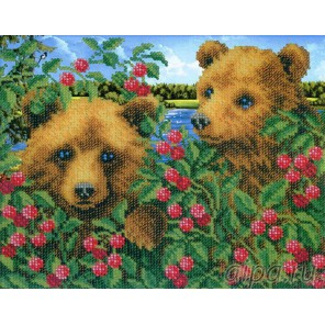 Медвежата в малиннике Набор для частичной вышивки бисером Русская искусница