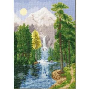 Водопад в горах Набор для вышивания Золотое Руно