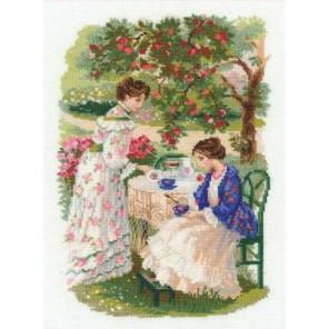 Русская усадьба. Чай под яблоней Набор для вышивания Риолис