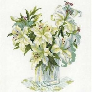 Белые лилии Набор для вышивания Риолис