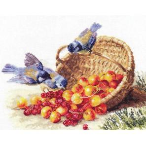 Упаковка Синички и черешня Набор для вышивания Алиса
