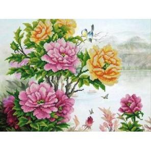 Пример оформления в рамке Пейзаж с пионами Канва с рисунком для вышивки бисером Конек 9889