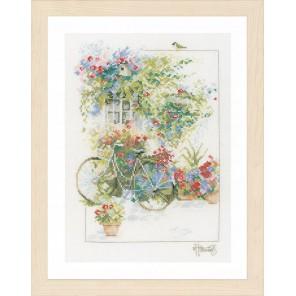 Flowers & bicycle Набор для вышивания LanArte PN-0168447