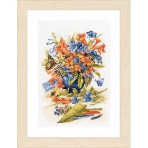 Flower vase Набор для вышивания LanArte PN-0156103