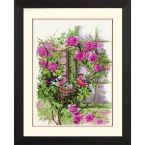 Nesting Birds In Rambler Rose Набор для вышивания LanArte PN-0008020