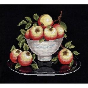 Пример оформления в рамке Яблоки в вазе Набор для вышивания Овен 594