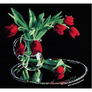 Пример оформления в рамке Тюльпаны на черном Набор для вышивания Овен 318