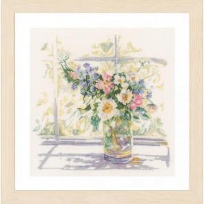 Bouquet of Flowers Набор для вышивания Lanarte PN-0168743