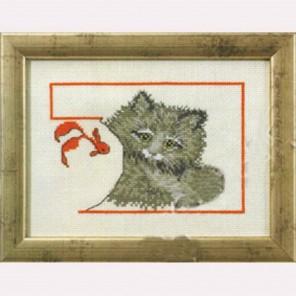 Котенок с рыбкой Набор для вышивания Permin 92-0143