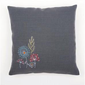Стилизованные цветы Набор для вышивания подушки VERVACO