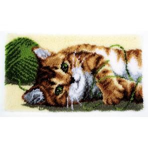 Играющий котенок Набор для вышивания коврика VERVACO