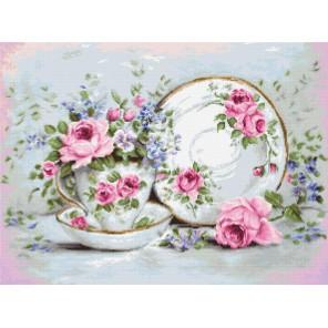Трио и цветы Набор для вышивания LUCA-S