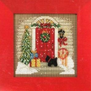 Дом в Рождество Набор для вышивания MILL HILL