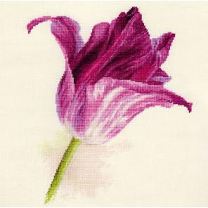 Тюльпаны. Сиреневый бархат Набор для вышивания Алиса 2-44