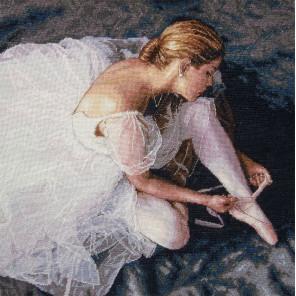 Прекрасная балерина 35181 Набор для вышивания Dimensions ( Дименшенс )